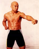 Chan Cheuk-Fai body shot